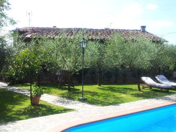 Soluzione Indipendente in vendita a Reggello, 8 locali, prezzo € 600.000 | Cambio Casa.it