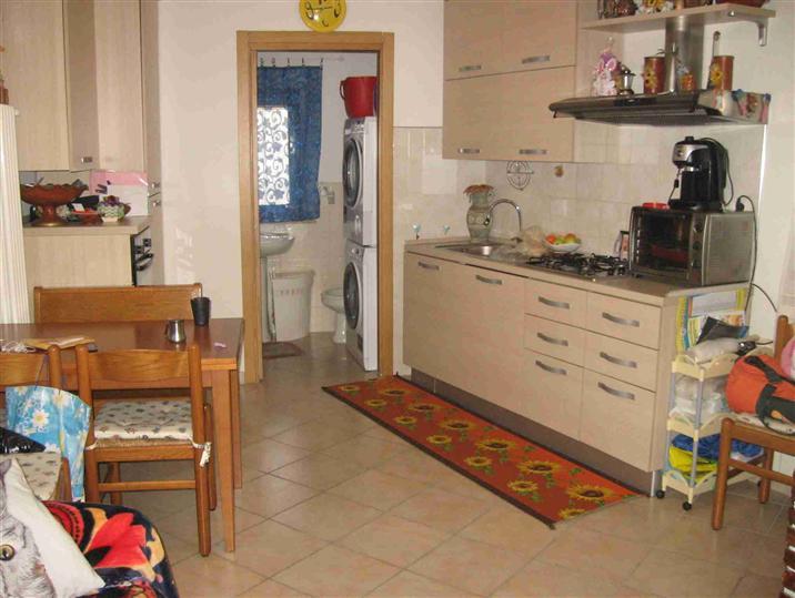 Soluzione Indipendente in vendita a Montemurlo, 4 locali, zona Zona: Bagnolo, prezzo € 118.000   CambioCasa.it