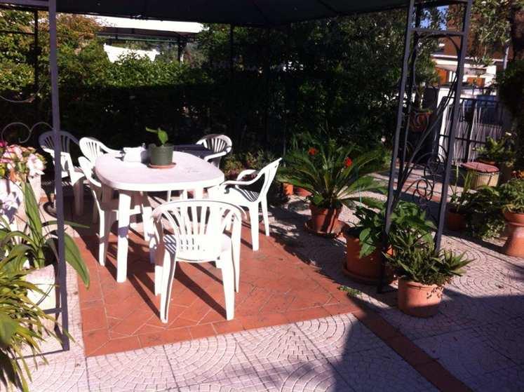 Soluzione Indipendente in vendita a Agliana, 4 locali, zona Zona: San Piero, prezzo € 235.000 | Cambio Casa.it