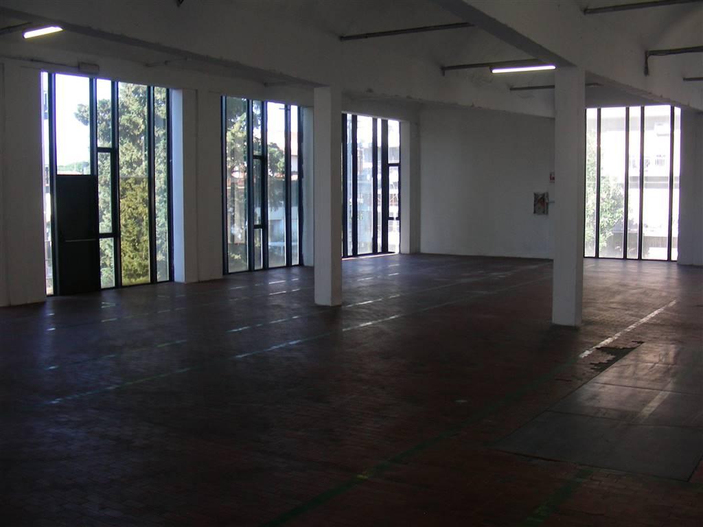 Magazzino in affitto a Prato, 9999 locali, zona Zona: Grignano, prezzo € 1.500 | CambioCasa.it