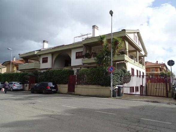 Quadrilocale in Via Milano 2, Ciampino
