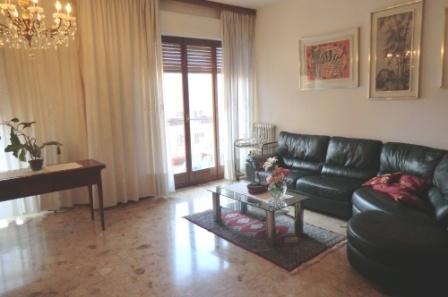 Appartamento in vendita a Corsico, 3 locali, Trattative riservate | Cambio Casa.it