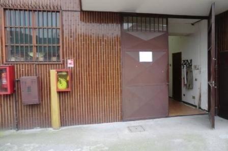 Magazzino in Vendita a Cesano Boscone: 87 mq