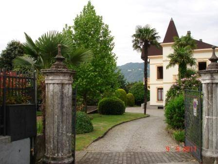 Soluzione Indipendente in vendita a Orta San Giulio, 10 locali, Trattative riservate | Cambio Casa.it