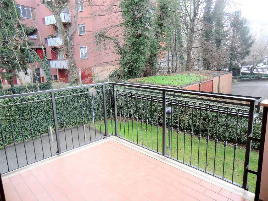 Appartamento in Affitto a Trezzano Sul Naviglio: 2 locali, 72 mq