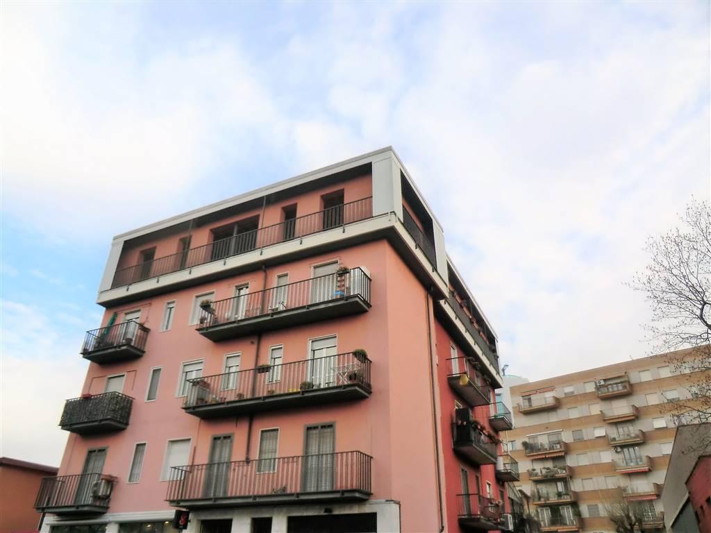 Appartamento in Vendita a Milano: 2 locali, 70 mq