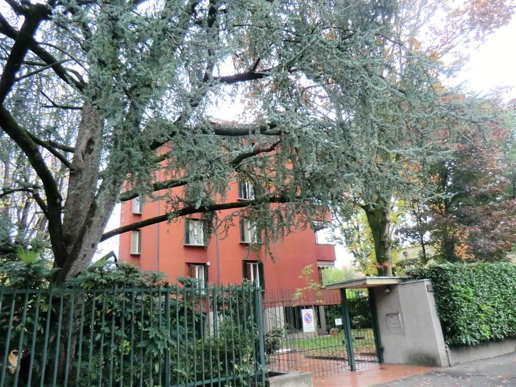 Appartamento in Affitto a Milano 18 Ippodromo / San Siro / Zavattari: 5 locali, 160 mq