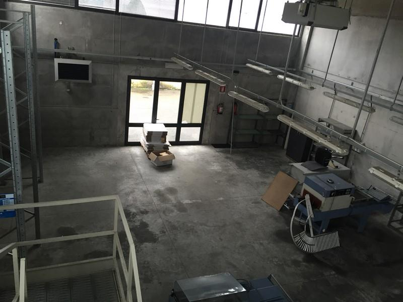 Capannone in vendita a Porcari, 9999 locali, prezzo € 350.000 | Cambio Casa.it
