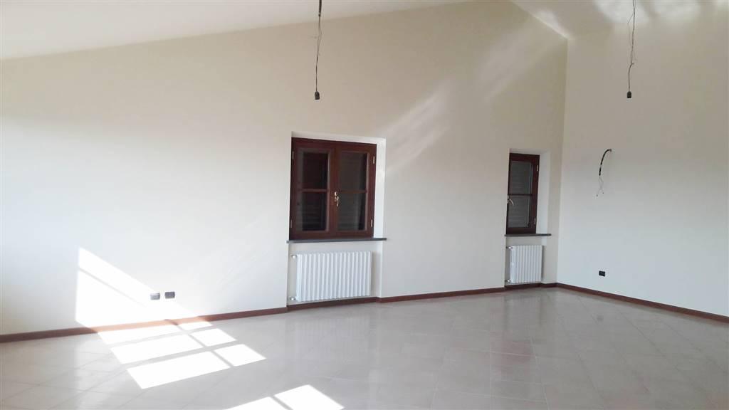Attico / Mansarda in affitto a Porcari, 3 locali, prezzo € 600 | Cambio Casa.it