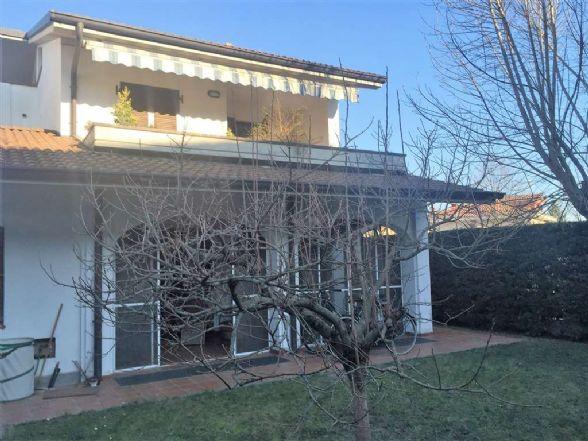 Villa in vendita a Ivrea, 6 locali, zona Località: IVREA, prezzo € 330.000 | Cambio Casa.it