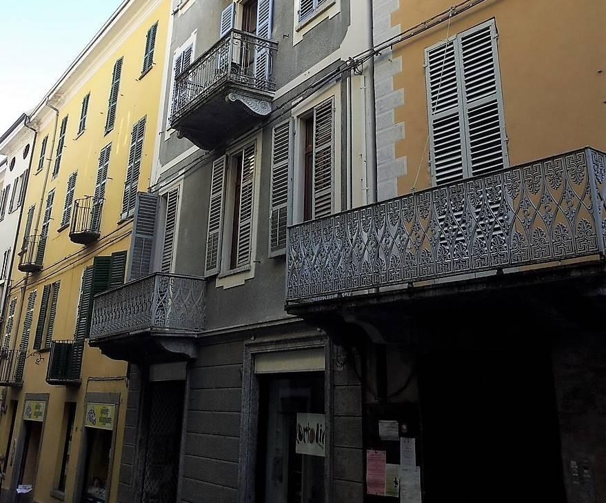 Appartamento in vendita a Ivrea, 2 locali, prezzo € 76.000   CambioCasa.it