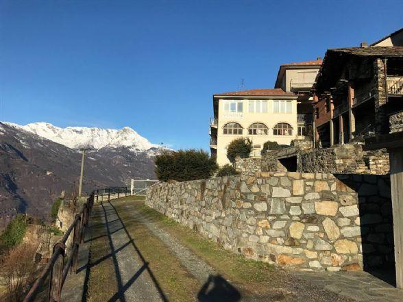 Soluzione Semindipendente in vendita a Nomaglio, 10 locali, prezzo € 220.000 | Cambio Casa.it