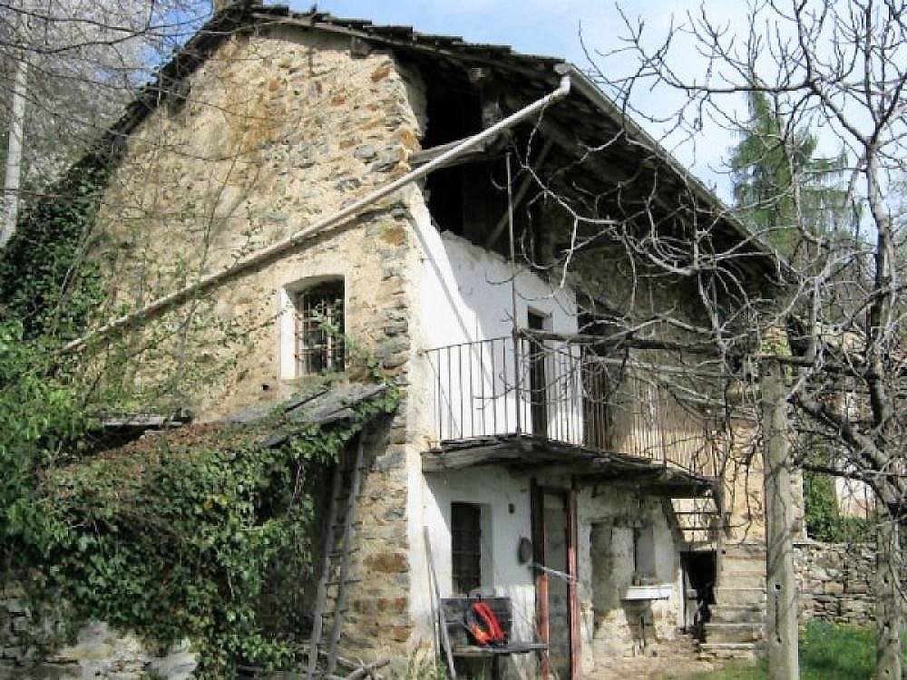 Rustico / Casale in vendita a Rueglio, 4 locali, prezzo € 60.000   Cambio Casa.it