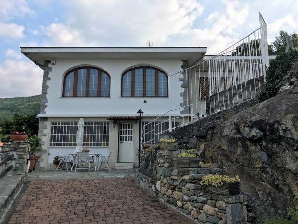 Villa in vendita a Chiaverano, 6 locali, prezzo € 350.000 | CambioCasa.it