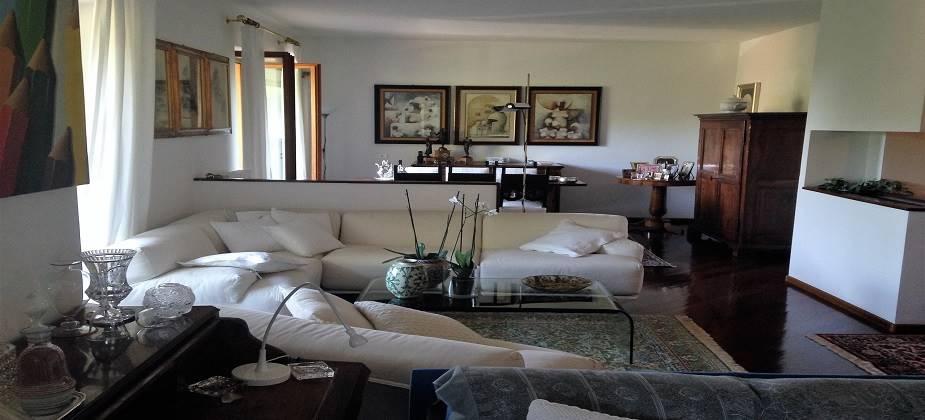 Villa a Schiera in vendita a Chiaverano, 8 locali, prezzo € 260.000 | CambioCasa.it