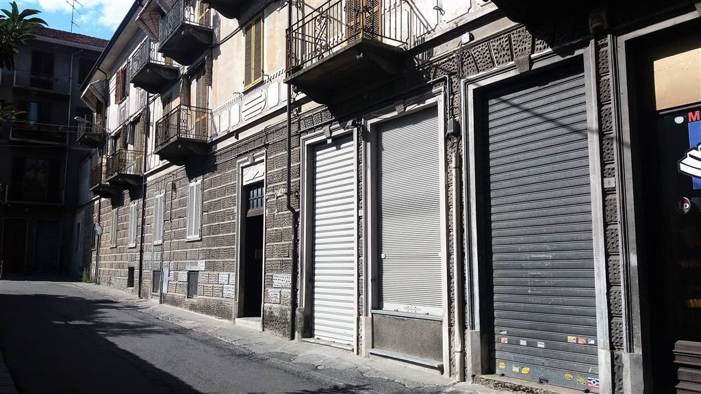 Negozio / Locale in affitto a Ivrea, 2 locali, prezzo € 500 | Cambio Casa.it