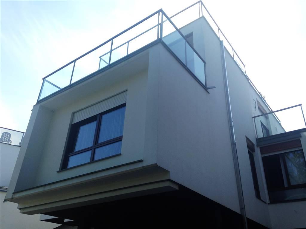 Villa in affitto a Ivrea, 5 locali, prezzo € 650 | CambioCasa.it