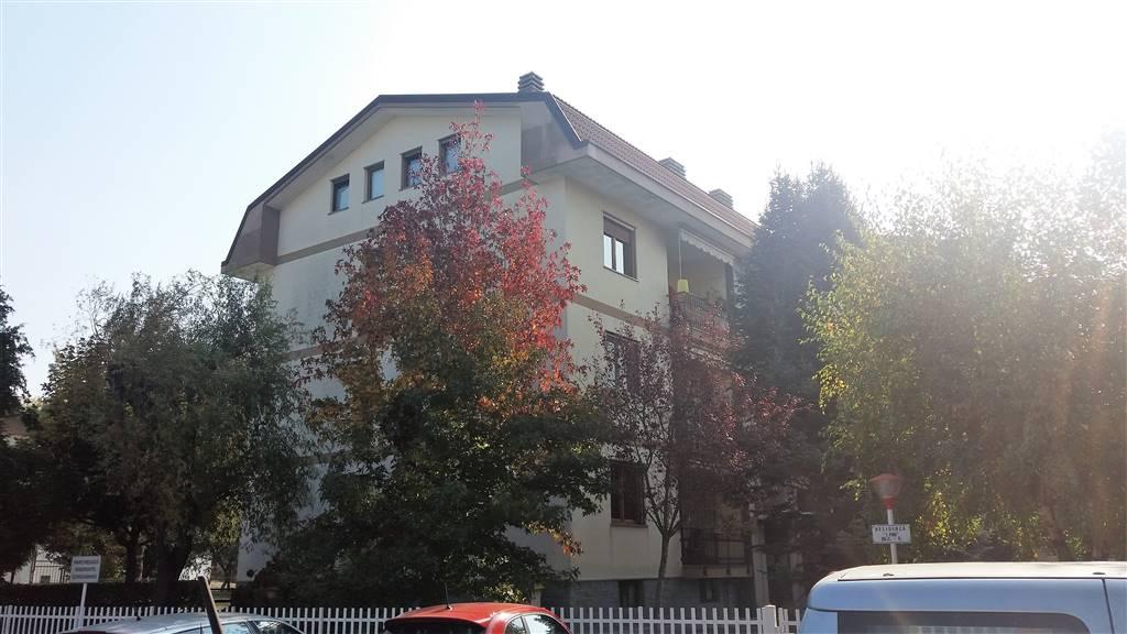 Appartamento in vendita a Ivrea, 4 locali, prezzo € 135.000 | CambioCasa.it
