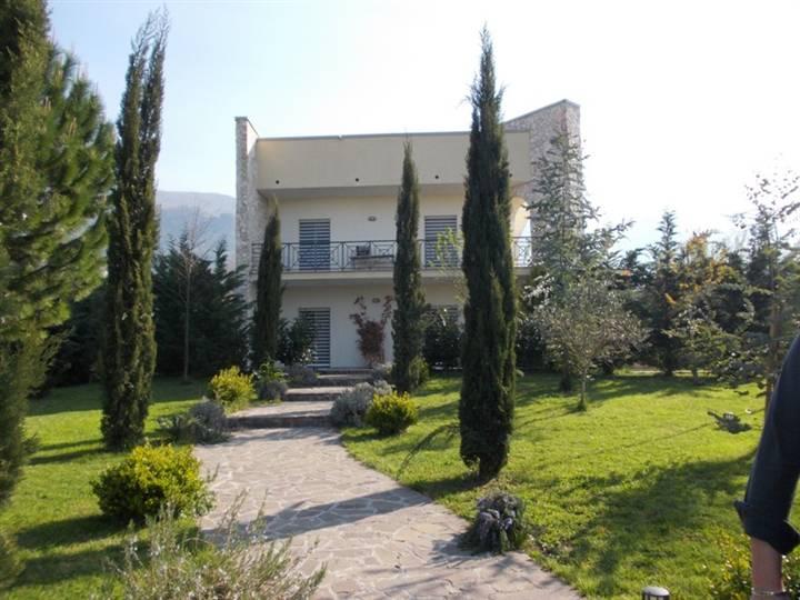 Villa in vendita a Piedimonte Matese, 9 locali, prezzo € 749.000 | Cambio Casa.it