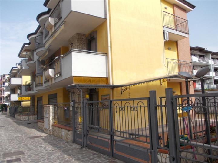 Villa in vendita a Orta di Atella, 10 locali, prezzo € 430.000 | Cambio Casa.it