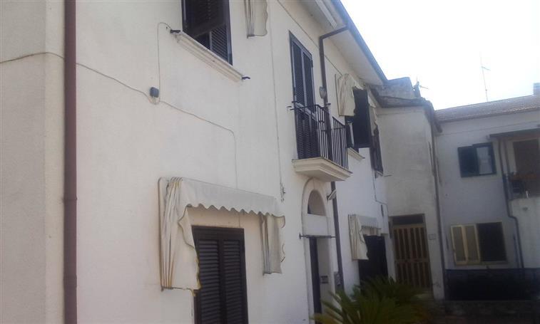 Palazzo / Stabile in vendita a Piedimonte Matese, 8 locali, zona Zona: Sepicciano, prezzo € 159.000 | Cambio Casa.it