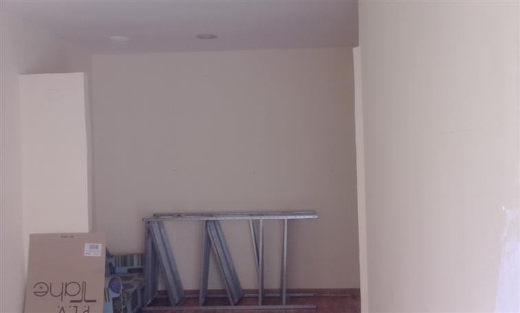 Attività / Licenza in affitto a Caserta, 2 locali, zona Zona: Centro, prezzo € 400 | Cambio Casa.it