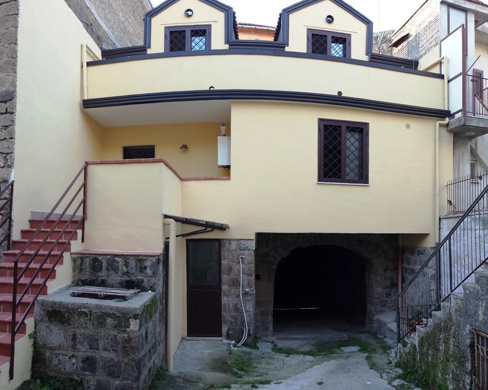 Soluzione Indipendente in affitto a Caserta, 5 locali, zona Zona: Casolla, prezzo € 350   Cambio Casa.it