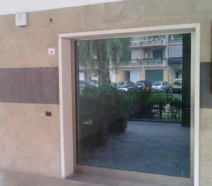 Negozio / Locale in affitto a Caserta, 3 locali, zona Località: CASERTA 2 - (CENTURANO -CERASOLA -167, prezzo € 1.000 | Cambio Casa.it