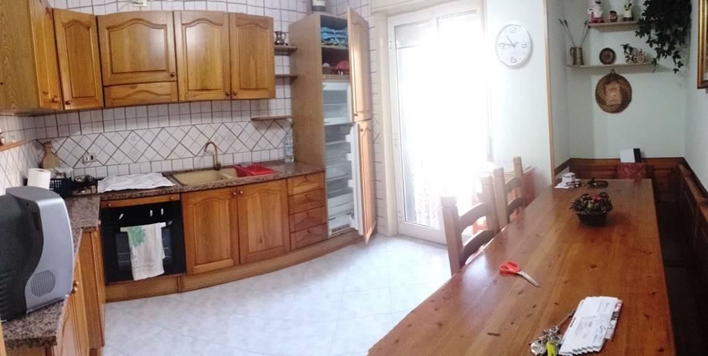 Appartamento in affitto a Portico di Caserta, 5 locali, prezzo € 400 | Cambio Casa.it