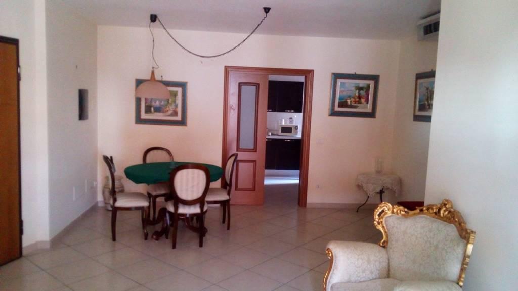 Appartamento in affitto a San Nicola la Strada, 7 locali, prezzo € 990 | CambioCasa.it