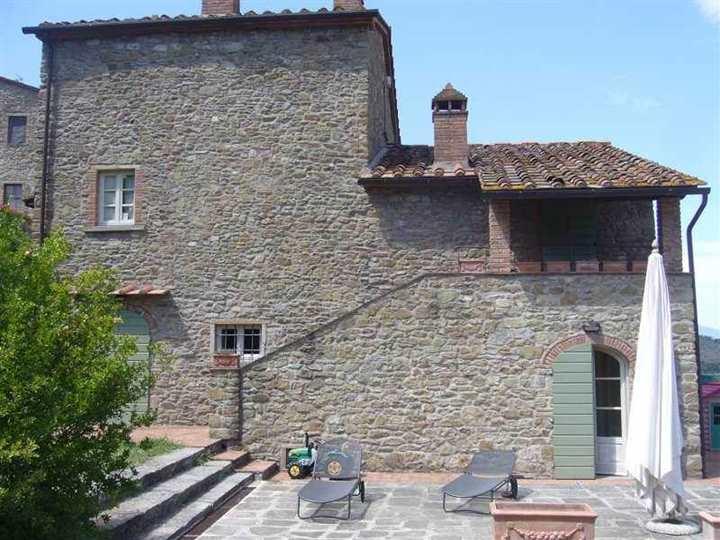 Rustico / Casale in vendita a Arezzo, 7 locali, prezzo € 570.000 | Cambio Casa.it