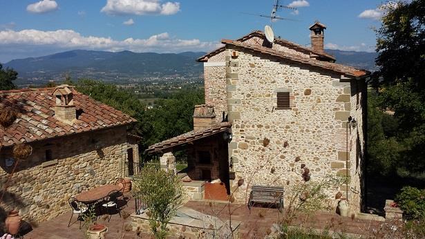 Soluzione Indipendente in vendita a Arezzo, 12 locali, zona Località: PERIFERIA, Trattative riservate | Cambio Casa.it