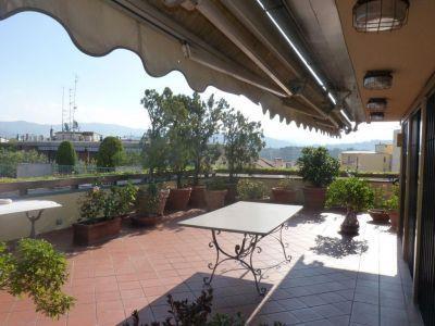 Attico / Mansarda in affitto a Arezzo, 8 locali, zona Zona: Centro storico, prezzo € 1.900 | Cambio Casa.it