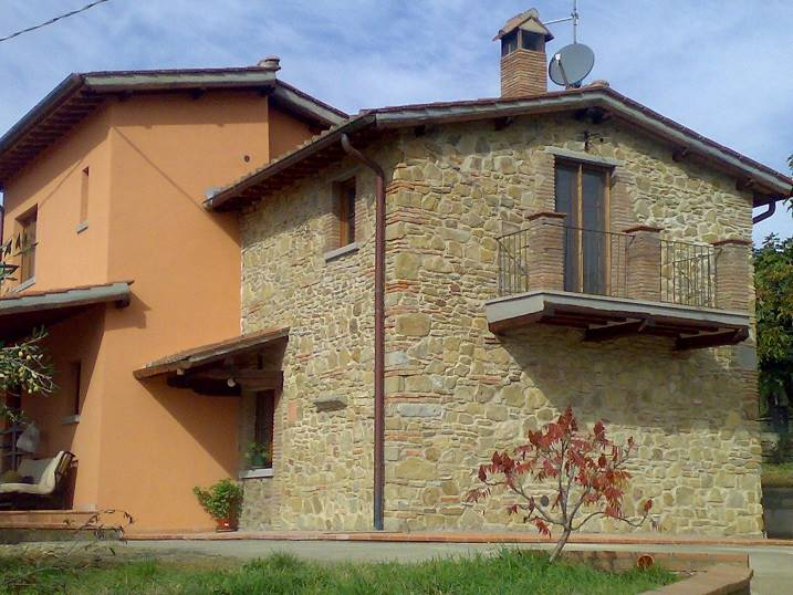 Soluzione Indipendente in vendita a Arezzo, 5 locali, zona Zona: Molinelli, prezzo € 270.000 | Cambio Casa.it