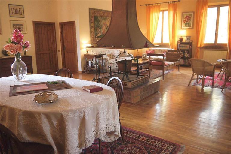 Villa in vendita a Castelnuovo Berardenga, 10 locali, prezzo € 780.000 | CambioCasa.it