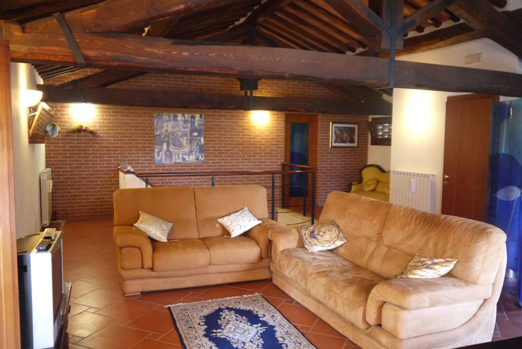 Appartamento in vendita a Monteroni d'Arbia, 4 locali, prezzo € 285.000 | Cambio Casa.it