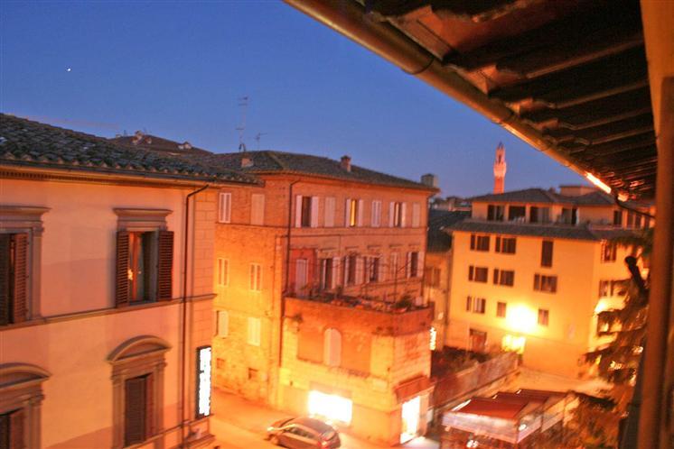 Attico / Mansarda in vendita a Siena, 3 locali, prezzo € 350.000 | CambioCasa.it