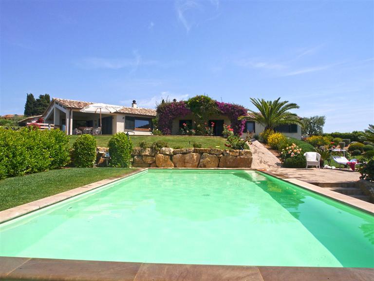 Villa in vendita a Capalbio, 12 locali, Trattative riservate | Cambio Casa.it