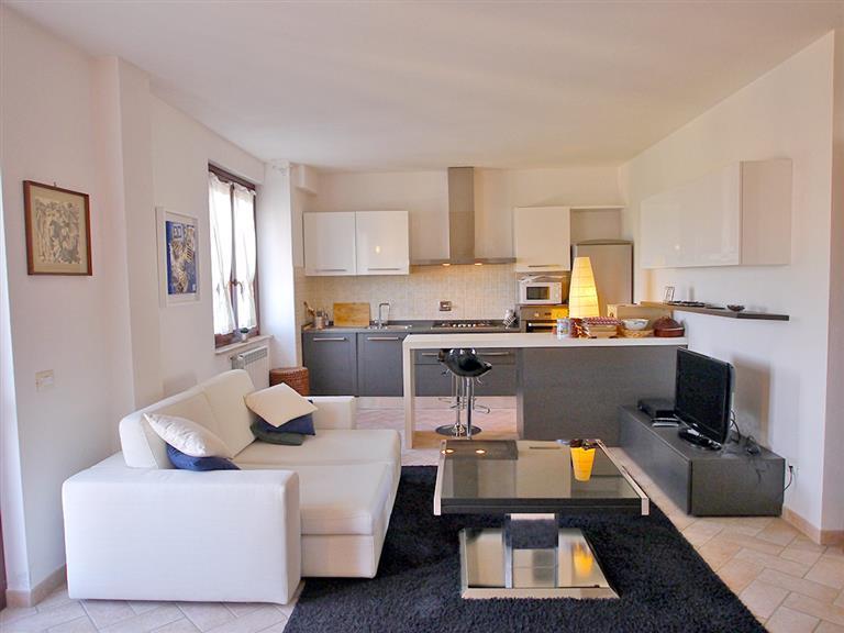 Appartamento in vendita a Rapolano Terme, 5 locali, zona Zona: Serre di Rapolano, prezzo € 200.000 | Cambio Casa.it