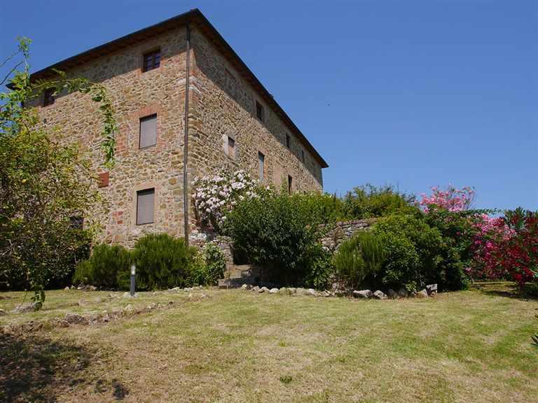 Rustico / Casale in vendita a Castelnuovo Berardenga, 4 locali, prezzo € 400.000 | CambioCasa.it
