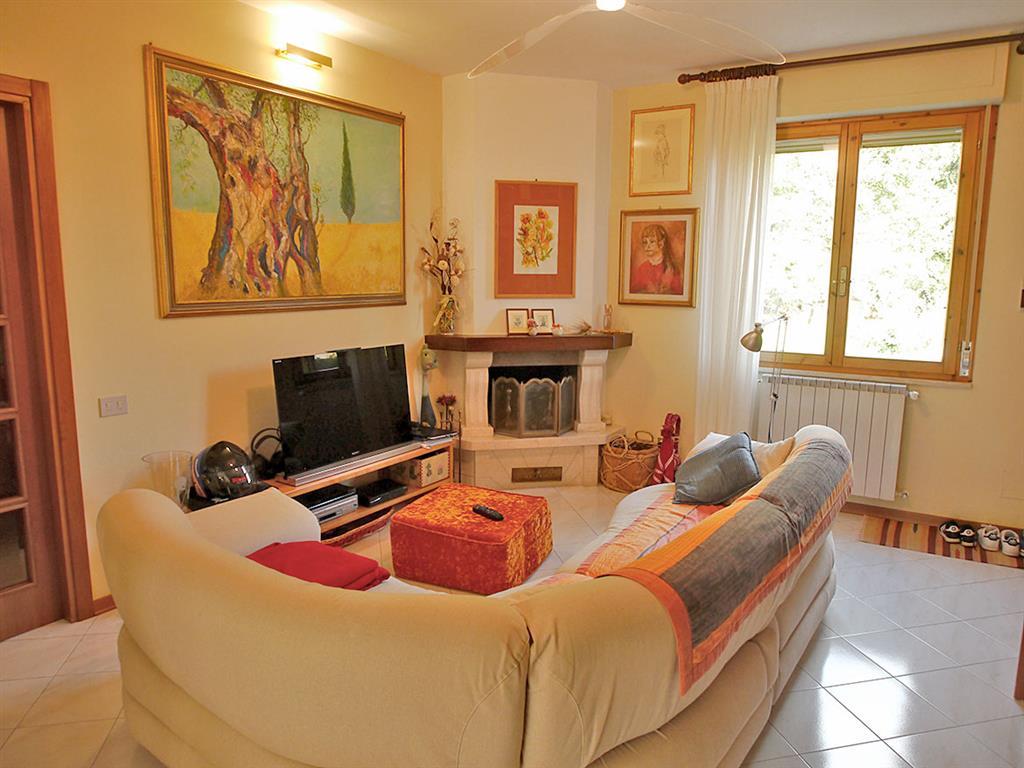Appartamento in vendita a Castelnuovo Berardenga, 4 locali, zona Località: PONTE A BOZZONE, prezzo € 180.000 | Cambio Casa.it