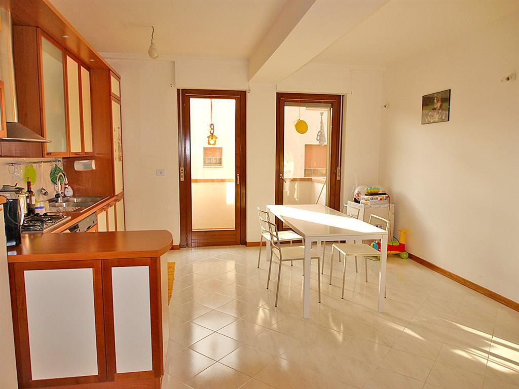Appartamento in vendita a Castelnuovo Berardenga, 4 locali, zona Località: PIANELLA, prezzo € 175.000   Cambio Casa.it