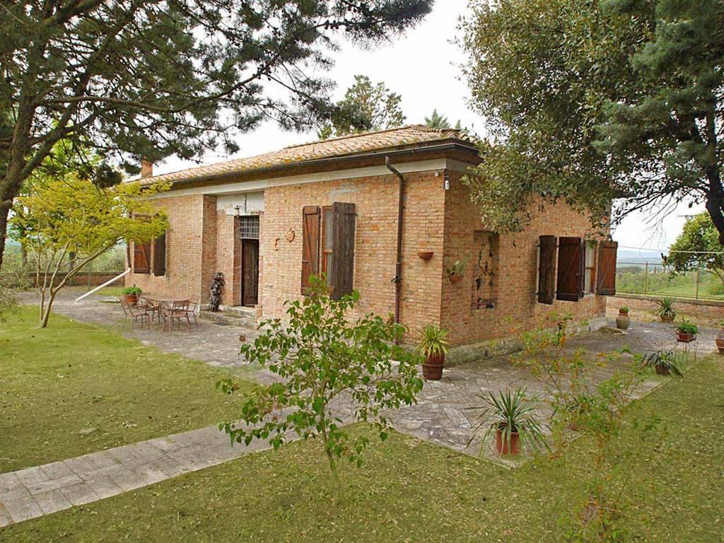 Villa in vendita a San Giovanni d'Asso, 6 locali, prezzo € 280.000 | CambioCasa.it