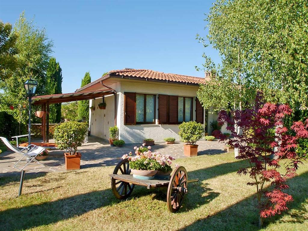 Villa in vendita a Castelnuovo Berardenga, 9 locali, prezzo € 595.000 | Cambio Casa.it