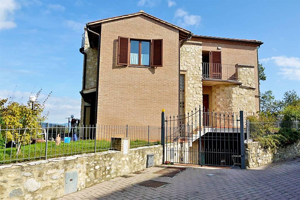 Villa in vendita a Castelnuovo Berardenga, 8 locali, prezzo € 590.000 | Cambio Casa.it