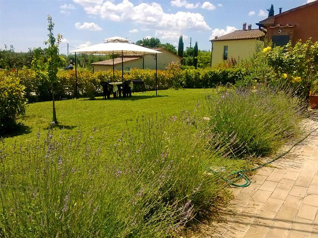 Rustico / Casale in vendita a Castelnuovo Berardenga, 4 locali, prezzo € 245.000 | CambioCasa.it