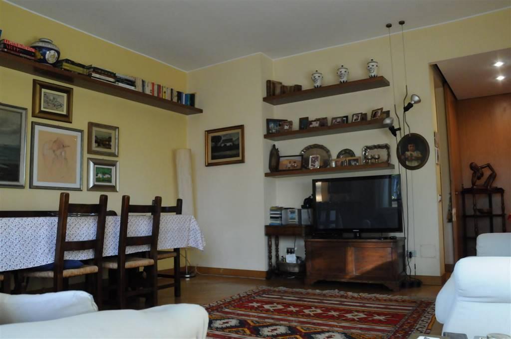 Appartamento in Vendita a Saronno: 4 locali, 150 mq