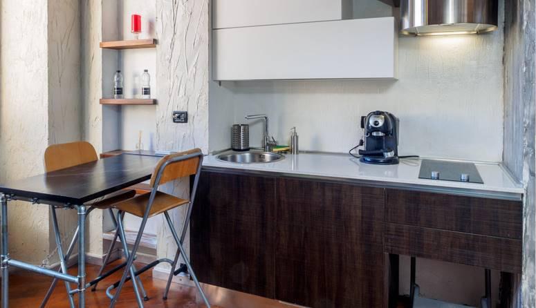 Appartamento in Affitto a Milano 01 Centro storico (Cerchia dei Navigli): 1 locali, 35 mq
