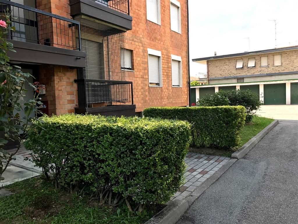 Appartamento in Vendita a Meda: 3 locali, 105 mq