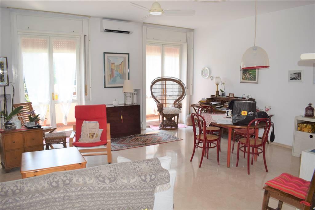 Appartamento in Vendita a Milano: 3 locali, 111 mq